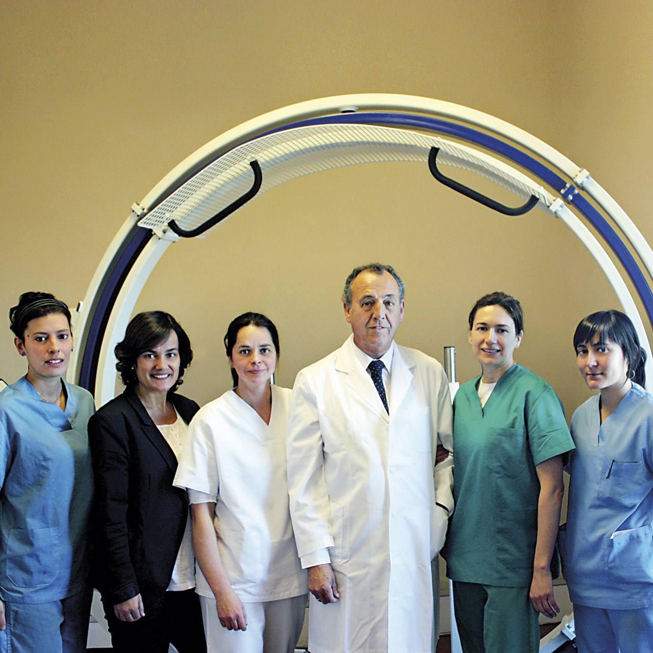 el equipo profesional de la clínica arthros